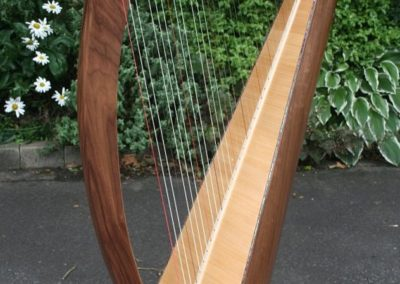 eala-irish-harp-in-walnut-gallery-009