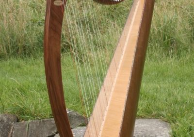 eala-irish-harp-in-walnut-gallery-013